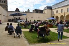 130826035549_cloitre-et-festival05